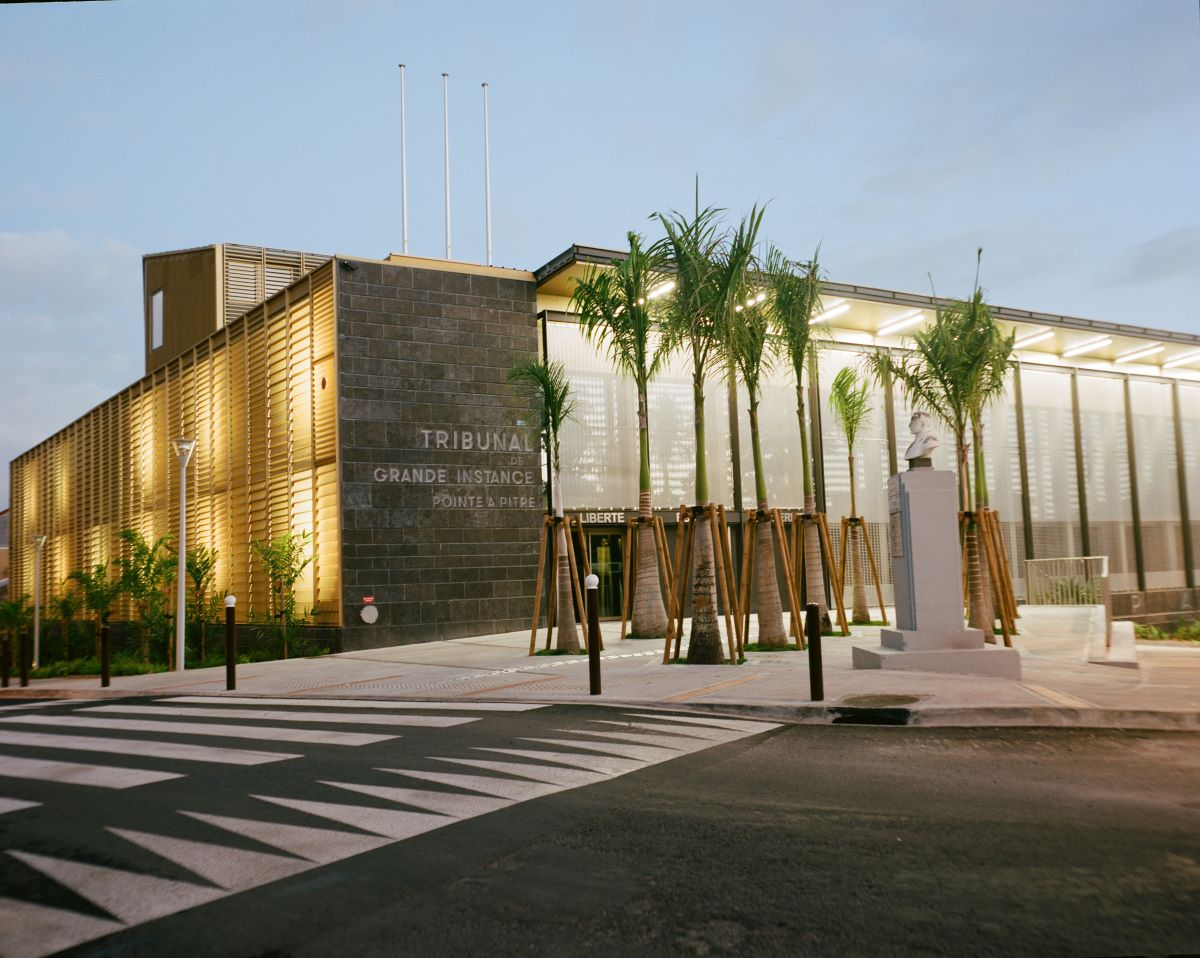 PALACE OF JUSTICE. A courthouse for the public featuring HAVER Architectural Mesh