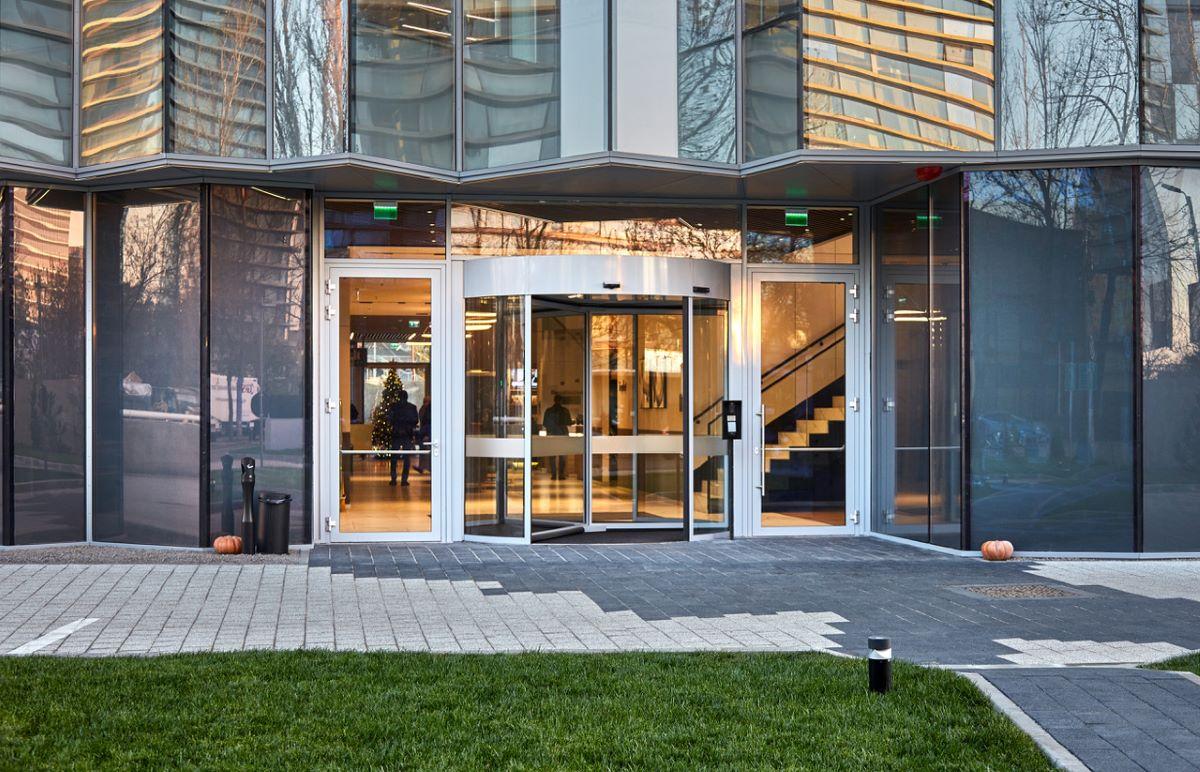 GEZE asigura accesul în siguranta pentru oaspetii hotelului  Courtyard by Marriott