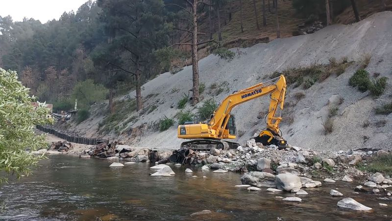 When the going gets tough… How to tackle a road development project at 14500 feet above sea level with the MB Crusher Units