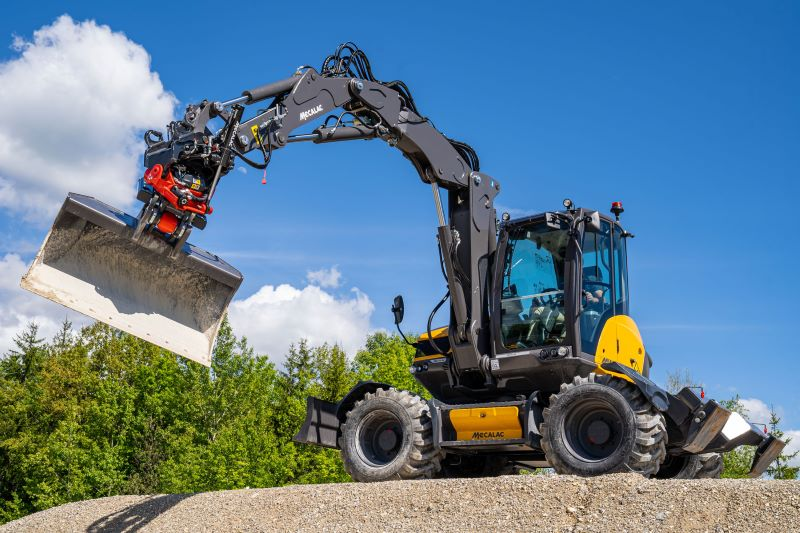 MECALAC LAUNCHES MR50 AND MR60 TILTROTATORS: THE ALL-ROUND INTEGRATED SOLUTION