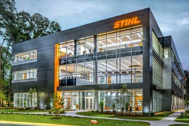 27 mai. compania STIHL