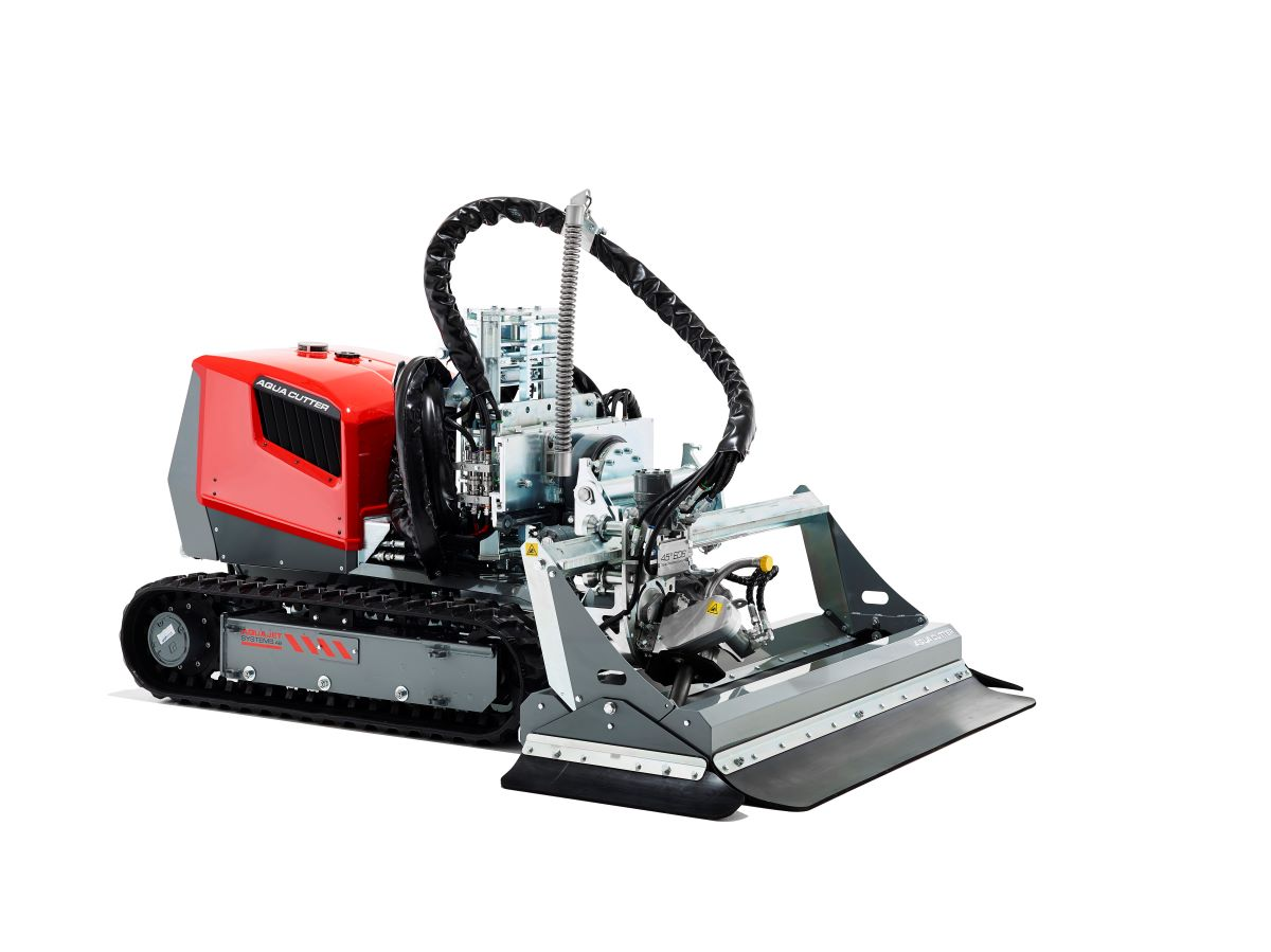 Aquajet's 410V Hydrodemolition Robot.  Increases Efficiency in Industrial Cleaning Applications