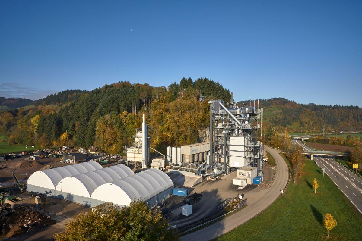 BENNINGHOVEN | Asphalt mixing plant BA RPP 4000 meets requirement for maximum recycling