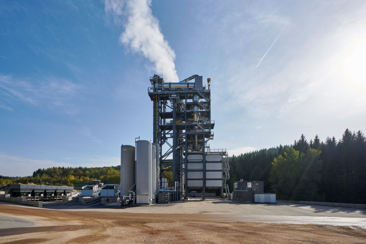 BENNINGHOVEN   TBA 4000 mixing plant inaugurated in Belgium