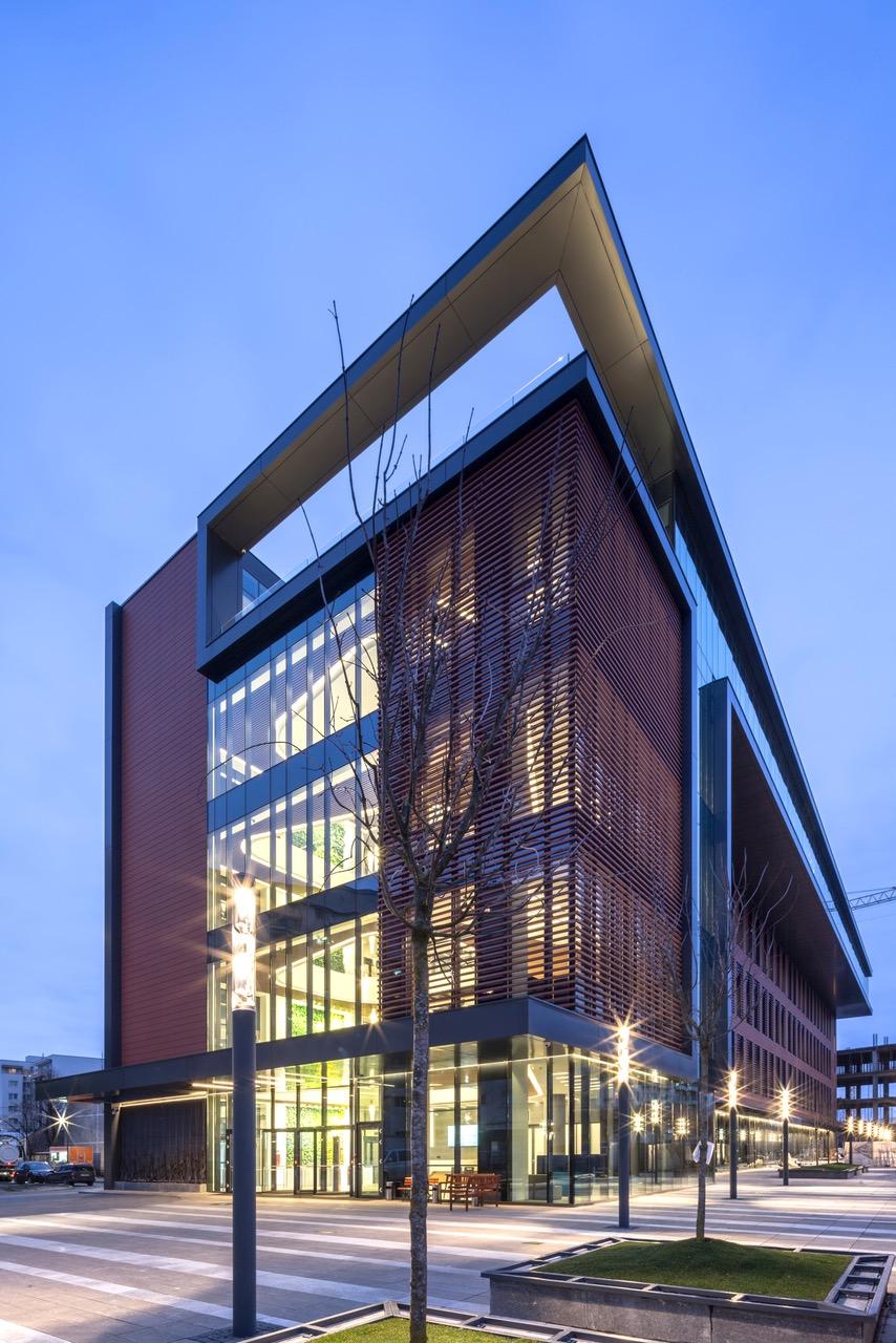 Alukönigstahl Romania integreaza solutii eficiente energetic in proiectul arhitectural Binarium din Cluj