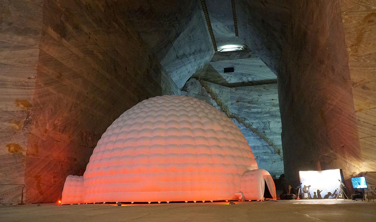 """Premiera """"cosmica"""" la Supernova Planetarium, Slanic Prahova: Lansarea in Romania a filmului """"Birth of Planet Earth"""" in cadrul """"UAI 100″ – centenar Uniunea Astronomica Internationala"""