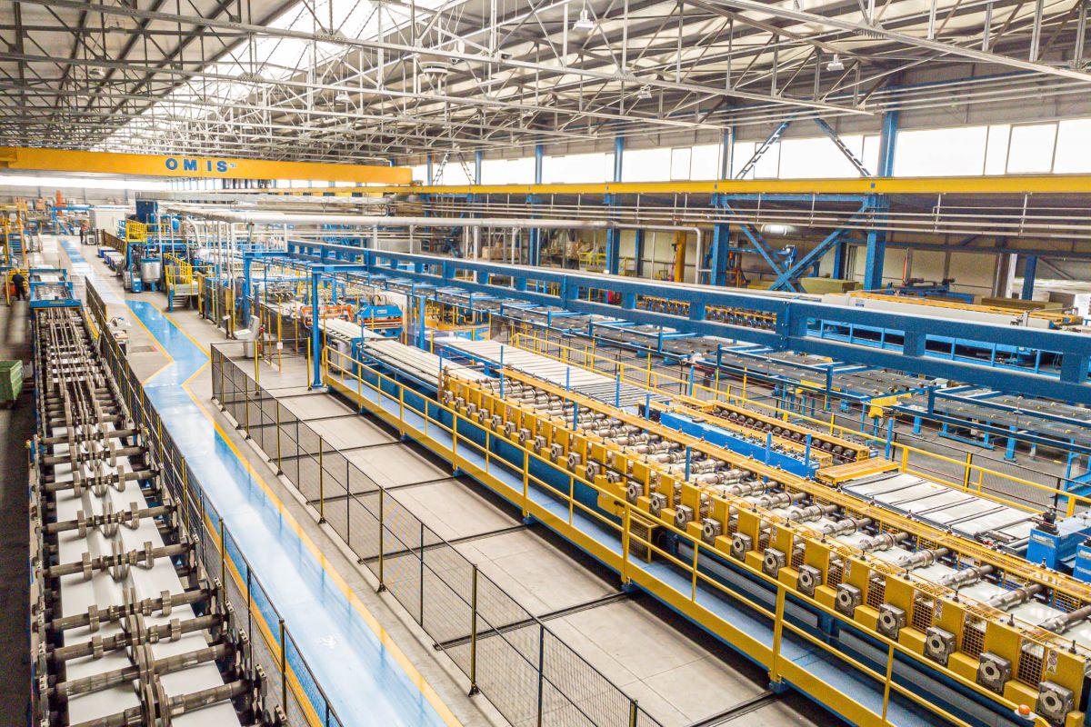 Isopan Est: Productia urca la 1,3 milioane de metri patrati in primul semestru al anului. Piata creste in calitate si se maturizeaza