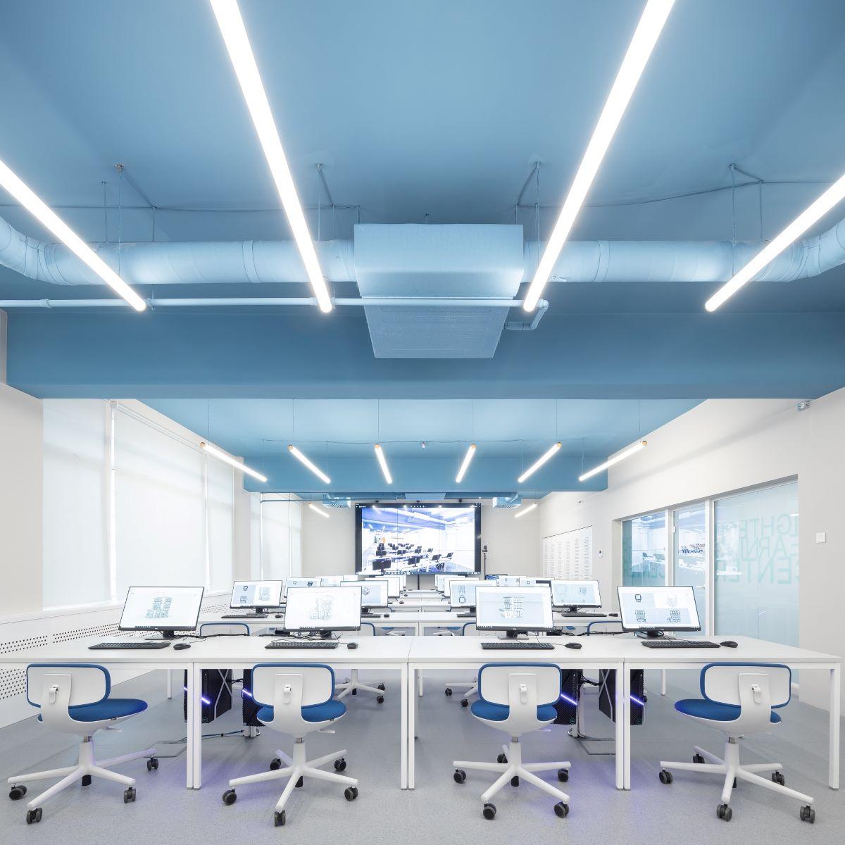"""Primul centru Hi-Tech la Universitatea de Arhitectura si Urbanism """"Ion Mincu"""", inaugurat de Fundatia Globalworth"""