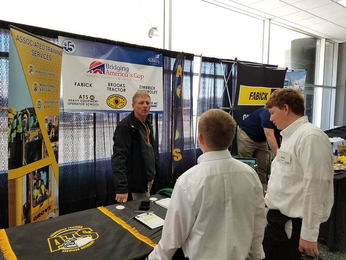 'Career Skills Event' at ICUEE 2019 Connects Students to Industry Jobs