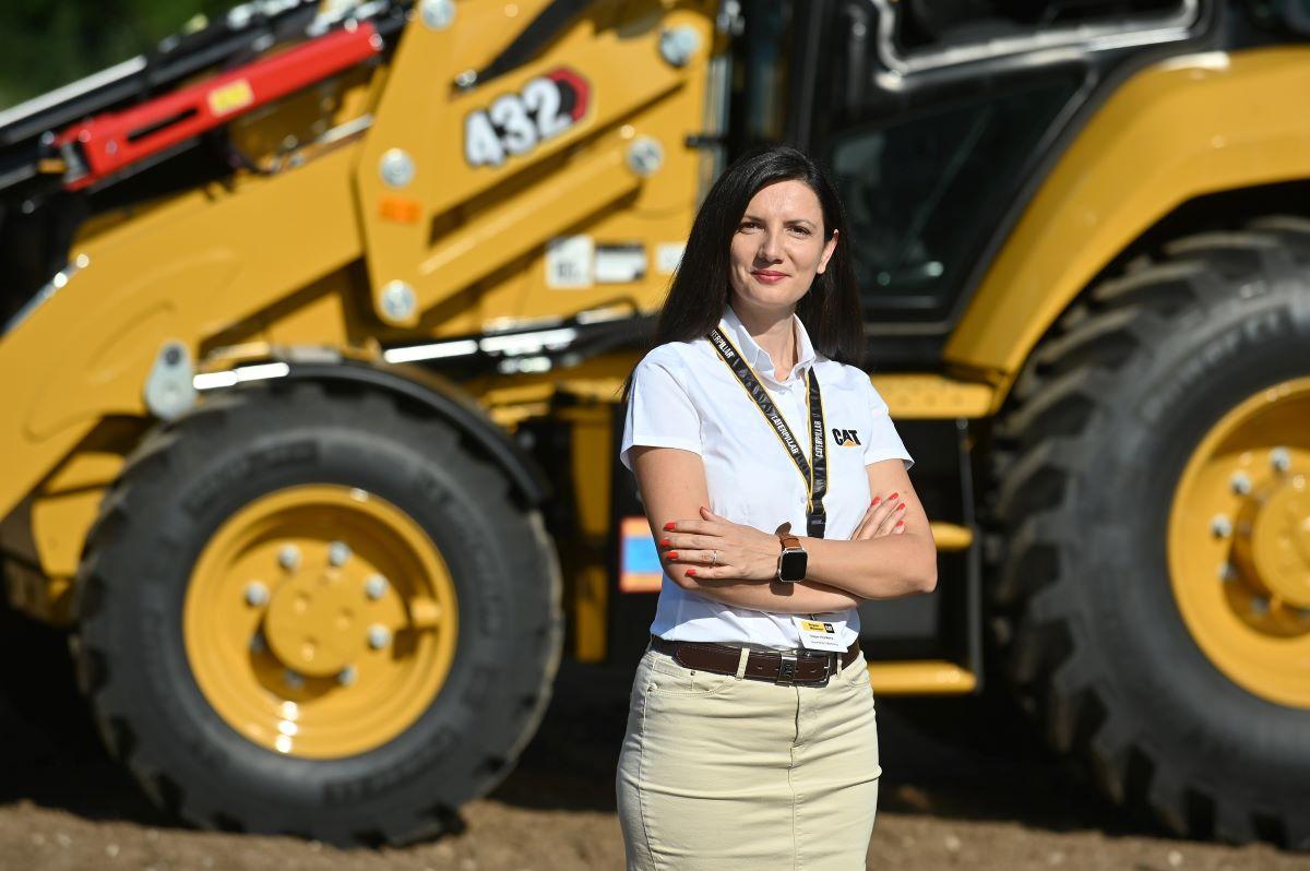 35 de ani de experienta in productia de buldoexcavatoare. Bergerat Monnoyeur anunta lansarea unei noi game de buldoexcavatoare Cat®