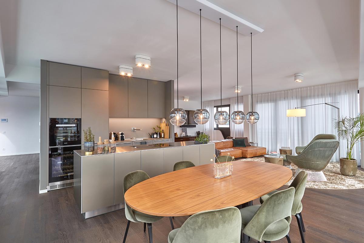 Minimalismus trifft auf Opulenz im architektonischen Highlight an der Spree WAVE waterside living berlin: Wohnen für extravagante Kosmopoliten in der Hauptstadt