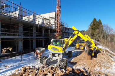 MB-HDS214_Menzi Muck M545_Czech Republic_recycling_building material_3