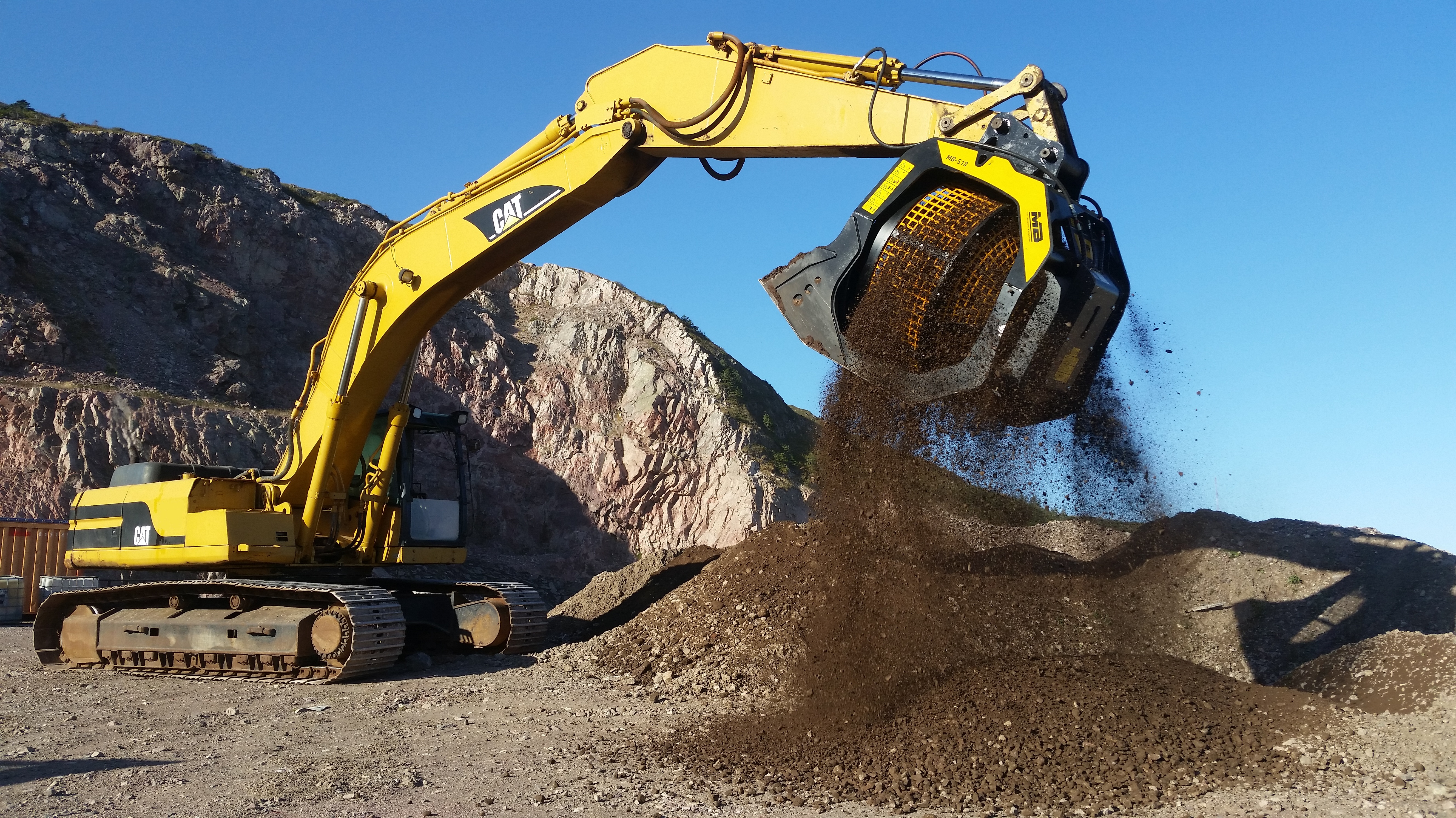 """ISLANDS AND MACHINERY: FOUR SOLUTIONS TO """"IMPOSSIBLE"""" SITUATIONS WHICH SHOW HOW YOU CAN OVERCOME EVEN THE MOST CHALLENGING OBSTRUCTIONS TO ACHIEVE PRODUCTIVITY"""