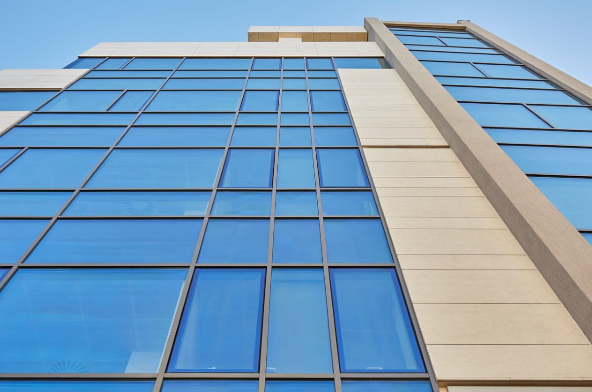Minimalist glazed facades, made with Guardian Glass, for a new office building –  Aviatorilor 17