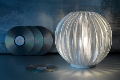 Philips LED table lamp printed from recycled CDs_credit Signify