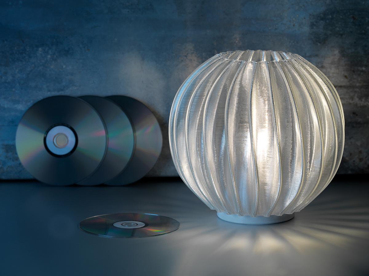 Signify lanseaza primul serviciu din lume care permite personalizarea corpurilor de iluminat online, le imprima 3D si apoi iti sunt livrate acasa