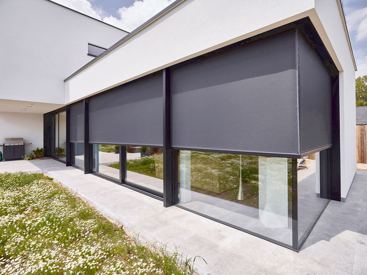 RENSON at Fensterbau. The best-fitting sun protection screens for every window.
