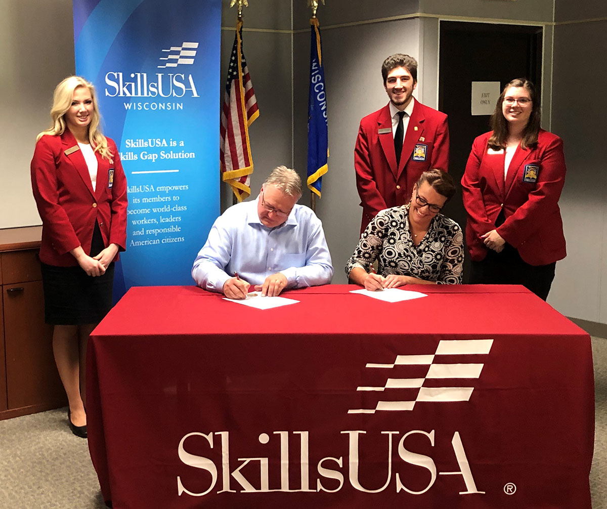 AEM Partners with SkillsUSA To Tackle Manufacturing's Skills Gap