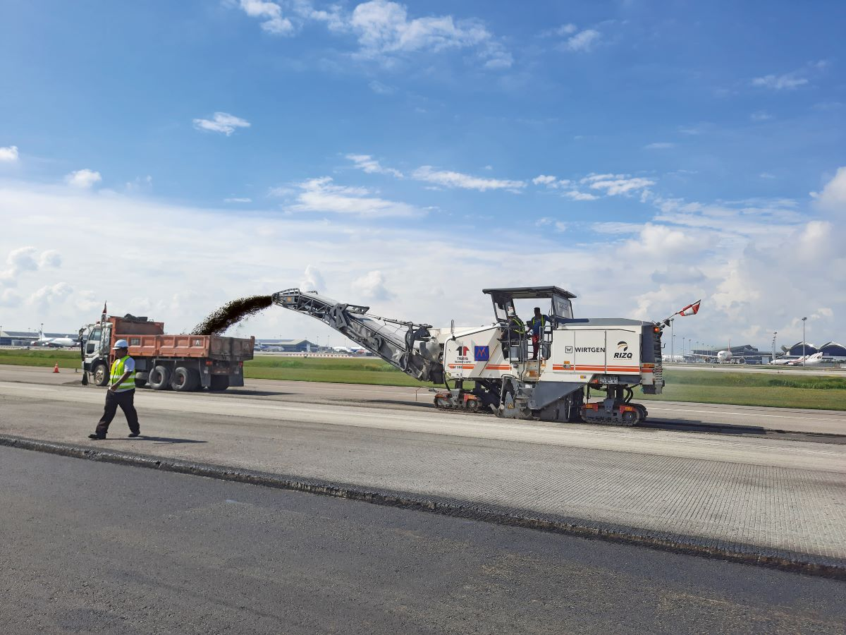 Wirtgen Cold Milling Machines Successfully Rehabilitate Runway in Malaysia