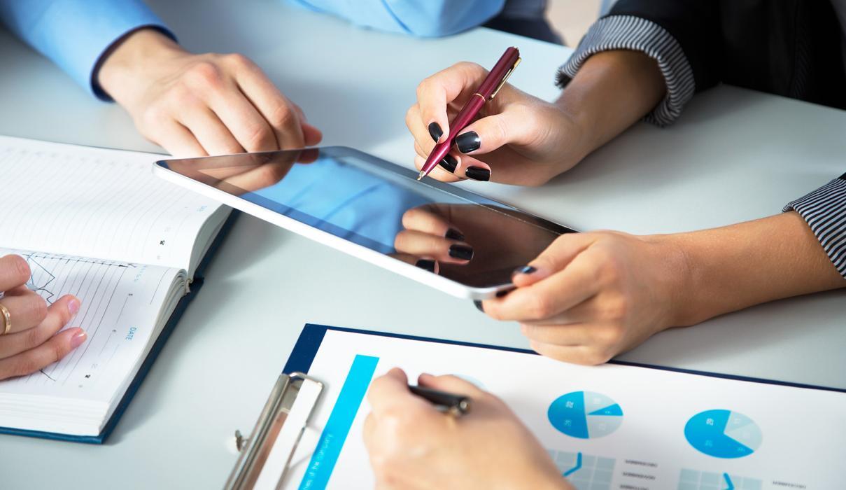 Invitație Eveniment România Durabilă: ECONOMIA 2019, ÎNCOTRO? Experți bancari și consultanți fiscali în sprijinul firmelor mici și mijlocii.